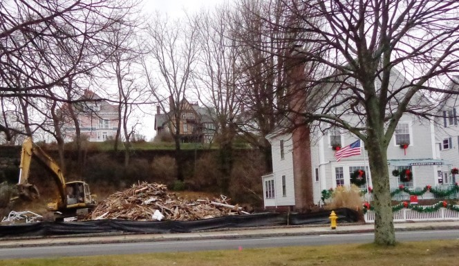 The Harborview Inn in sharp contrast to what is left of its long-time neighbor next door.
